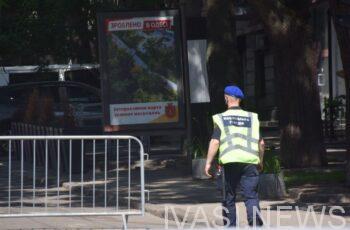 В Одессе водитель психанул и нарушил ПДД на глазах полицейских