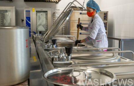 В школьных столовых Одесской области у 36 работников обнаружили стафилококк